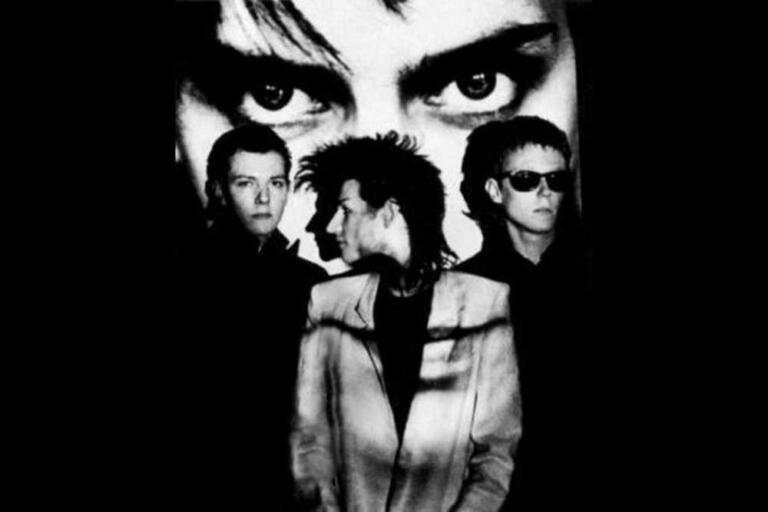 Bauhaus - Band pengusung musik goth-punk