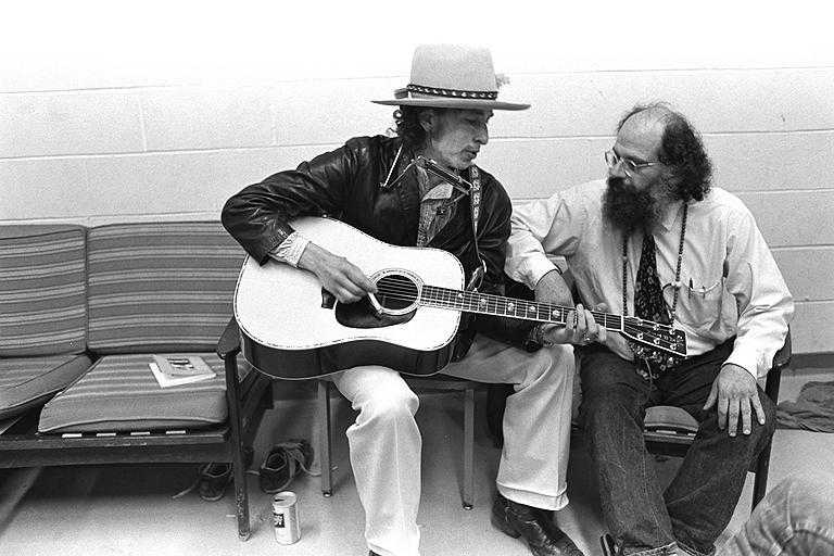 foto allen ginsberg and bob dylan