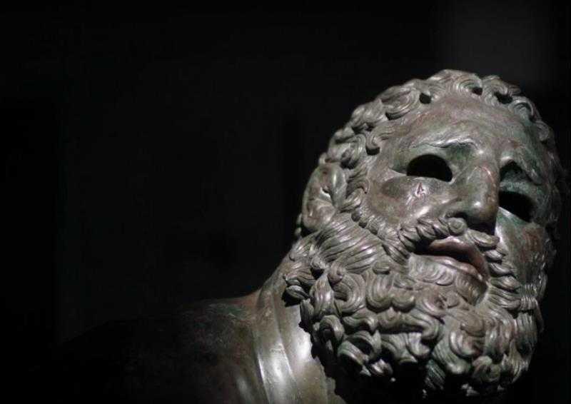 The Boxer at Rest: Anomali Seni Hellenis 6 seni hellenis,the boxer at rest,patung yunani,idealisme dalam seni,idealisme tubuh