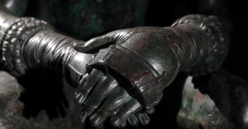 The Boxer at Rest: Anomali Seni Hellenis 8 seni hellenis,the boxer at rest,patung yunani,idealisme dalam seni,idealisme tubuh